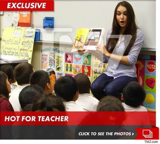 Sasha Grey Reads To First Graders
