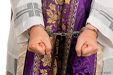 Pfarrer in Handschellen