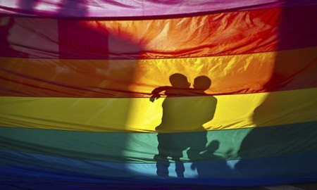 Hawaii senate approves bill to legalise same-sex marriage