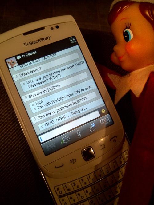 Texting-elf_