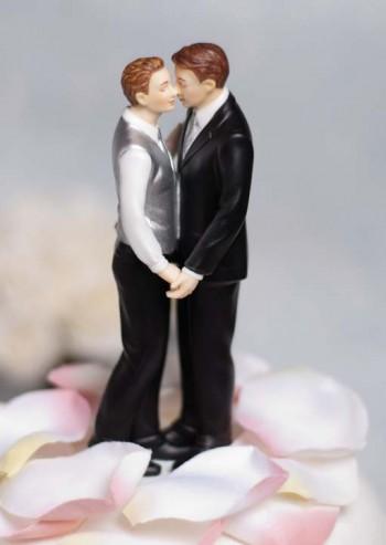 gay_wedding_cake_topper