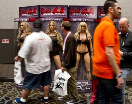 Post-recession, porn makes a comeback at 2014 AVN and Adult Entertainment Expo