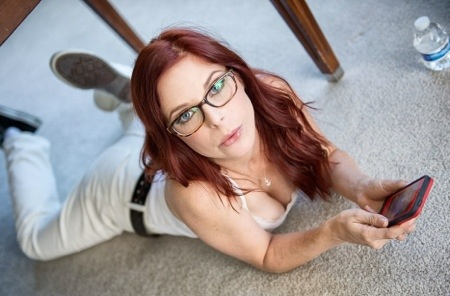 Porn Star Penny Pax Is Now Taking Calls From Her Fans