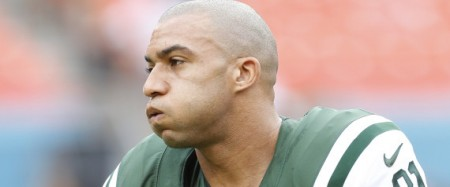 Kellen Winslow #81 of the New York Jets is accused of public masturbation. Here, he warms up prior to the game against the Miami Dolphins on December 29, 2013 at Sun Life Stadium in Miami Gardens, Florida. The Jets defeated the Dolphins 20-7. (Joel Auerbach/Getty Images)