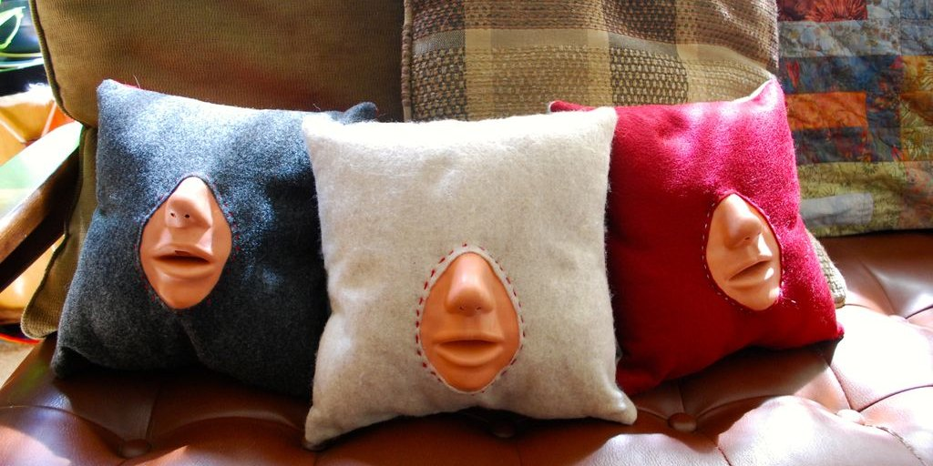 These kissing practice pillows are the stuff of makeout nightmares