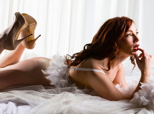 Meet LittleRedBunny, the Queen of Cam Girls — by Richard Abowitz