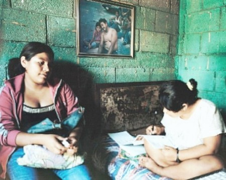 534 GUATEMALA MUJERliteracyCoaching imageMuJER 450x359 Guatemalas sex workers live in a dangerous 'twilight' world