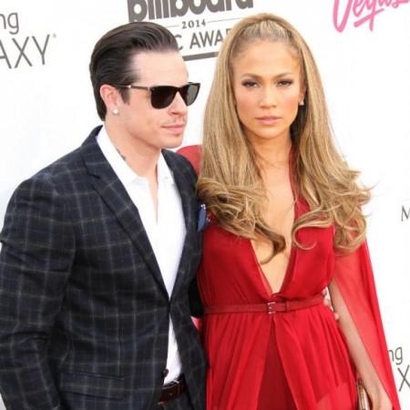 Casper Smart and Jennifer Lopez (WENN)
