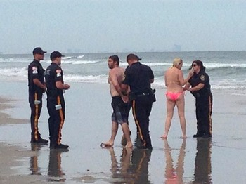 Couple arrested for sex on the beach