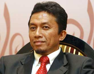 Indonesian government minister Tifatul Sembiring declares 'jihad' against pornographic sites