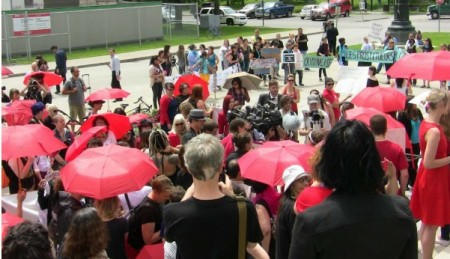 Quebec: Sex workers, allied communities aim to rebalance the Senate debate on prostitution laws