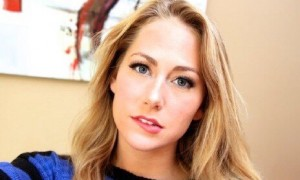 Carter Cruise Takes Home NightMoves Fan Choice for Best New Starlet