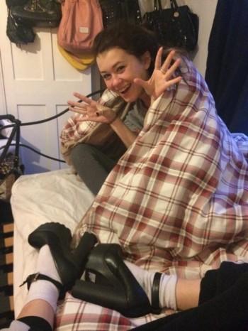 Samantha wakes up to Misha Cross and new shoes