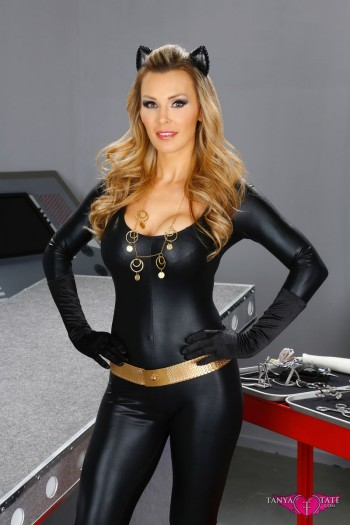tanya tate 350x525 Tanya Tate Debuts My Hero Toys Customizable Vinyl Action Figure Line At Stan Lee's Comikaze Convention