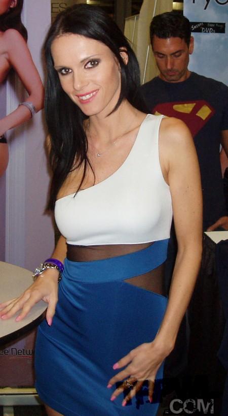 Jennifer Dark at Exxxotica NJ 2014