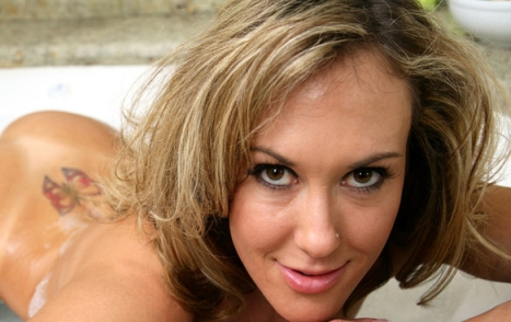 Brandi Love Debuts on Dream Lover Site, Looking for More Fan Interaction