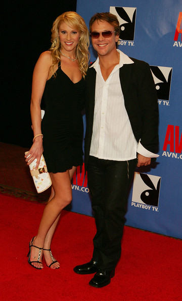 Lockwood with Samantha Ryan on the 2006 AVN Awards red carpet