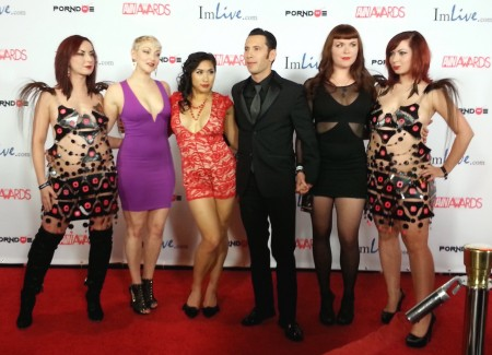 The Soska Twins  flank Pony Gold, Mia Li, awards co-host Tommy Pistol, and Nikki Swarm