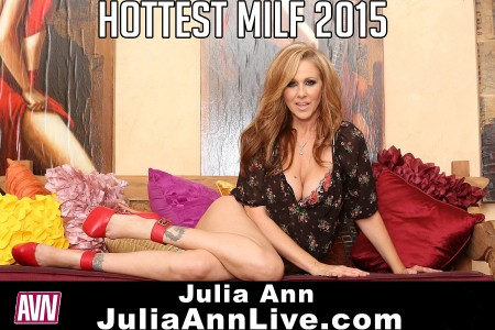 Superstar MILF Julia Ann Wins 'Hottest MILF' Fan Vote At The AVN Awards