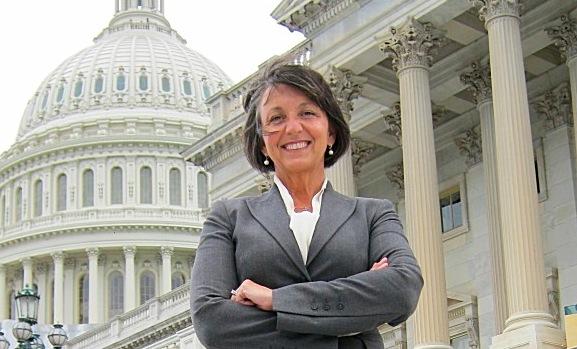 FSC's Diane Duke Pens Column on Censorship for Huffington Post