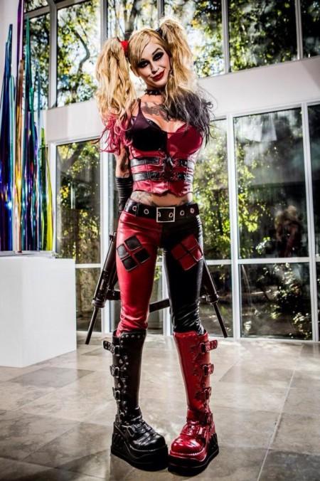 Kleio Valentien as Harley Quinn