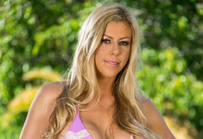 Alexis Fawx: Caught By The MILF Hunter