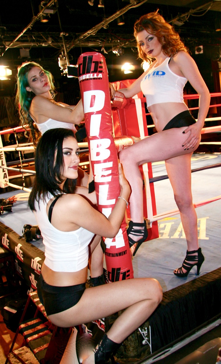 2-16 Broadway Boxing 142