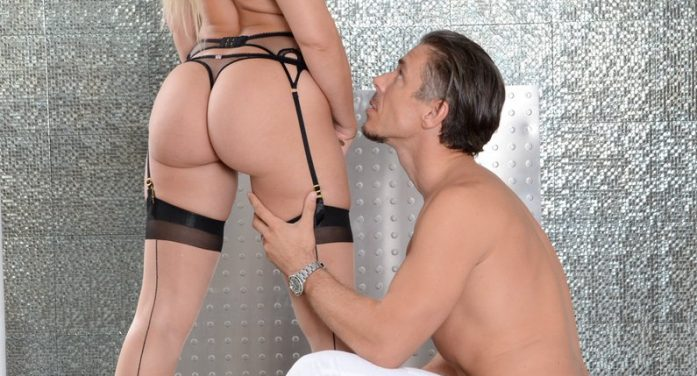 Star Anikka Albrite to Appear at 'Babysitting the Baumgartners' Premiere