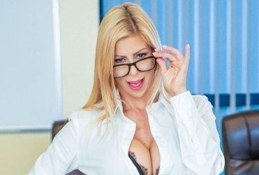 Alexis Fawx Demands Excellence In New Digital Playground Scene