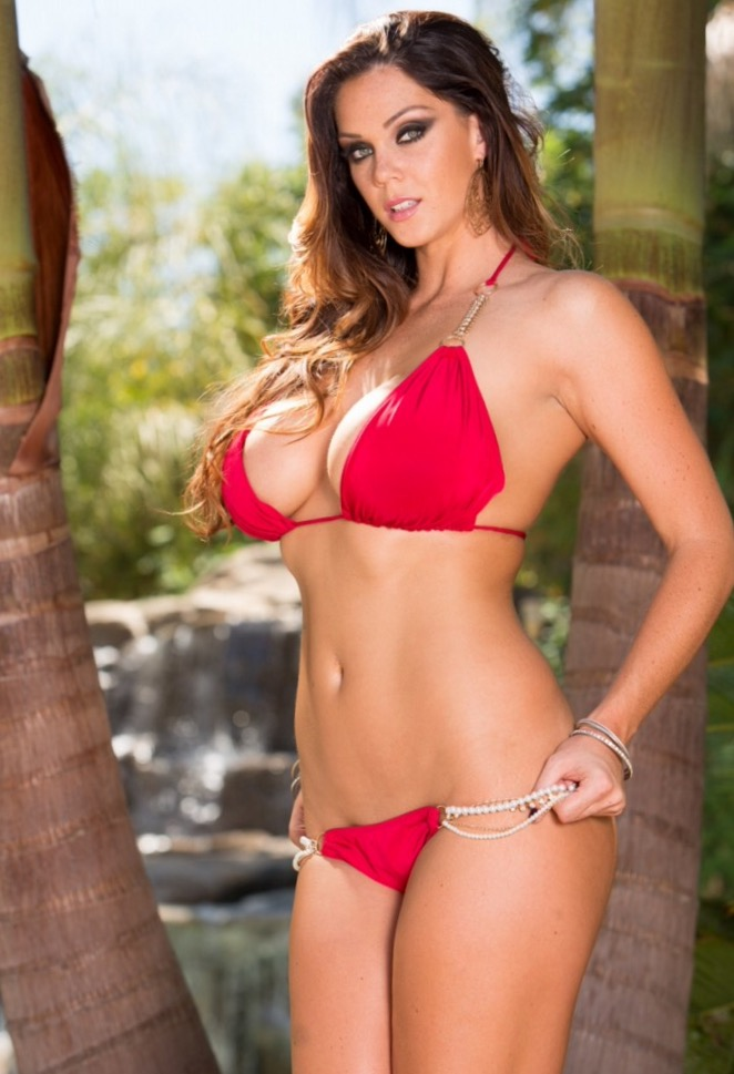 "Alison Tyler Asks Fans to Vote ""Most Spectacular Boobs"""