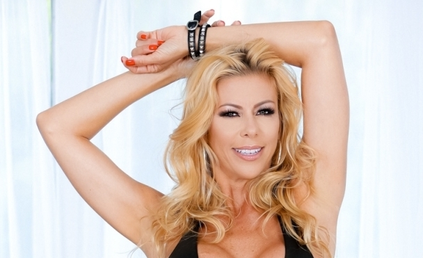 "Alexis Fawx Stars in Evil Angel's ""Wet Food 8"""