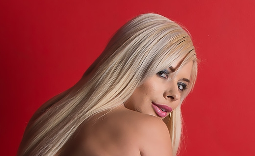 Meet Sara St. Clair At AVN's Adult Entertainment Expo