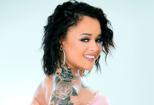 holly hendrix