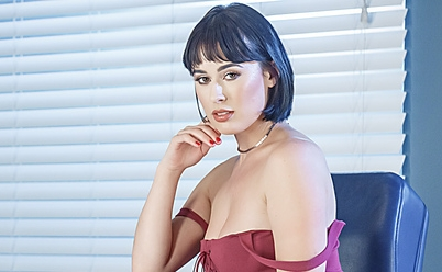 Olive Glass' Tootsies Get Special Treatment In New Brazzers Scene