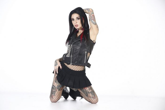 Joanna Angel Picks Up 2018 XRCO Award for Mainstream Excellence
